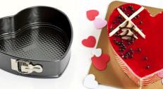 1500 din za 3  kalupa u obliku srca različitih dimenzija (24, 26, 28 cm) za pripremu torti i kolača!