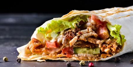 1200 din za dve Flautas con chedar(fritirane tortilje punjene dinstanom piletinom sa salsom roja i gauda sirom) +dve nutela pie-banana ili jagoda-Parapata-Vračar!
