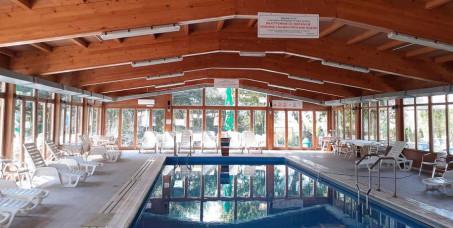 10900 din za  LUX family paket za 4 osobe/2noći/3dana /2odraslih+2 dece/ u hotelu sa korišćenjem bazena-(dva noćenja u apartmanu, wifi,parking+celodevno korišćenje bazena)-Hotel Ravni Gaj***!