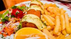 890 din za dve karađorđeve šnicle sa pomfritom + dve domaće supe + dva deserta (čokoladni kolač/tulumbe/pita sa jabukama) u restoranu Konoba Akustik na Dorćolu!