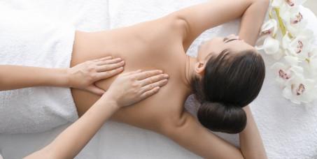 1390 din za relax paket od tri relax masaže opuštajućim uljem za oba pola (tri relax masaže ceog tela po 60 min)-King & Queen-Takovska ulica!