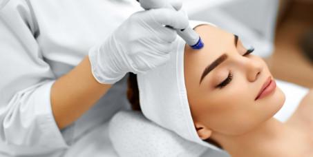 990 din za tretman lica: čišćenje i piling lica,mikrodermoabrazija,mezoterapija ili radiotalasni lifting lica u studiju lepote HEDONA u TC Enjub!
