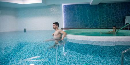 900 din za spa relax kartu za opuštanje i uživanje u trajanju od 2h, radnim danima u jutarnjim terminima (bazen, đakuzi, tepidarijum, ruska i finska sauna ,tiha soba sa slanim zidom)-Royal!