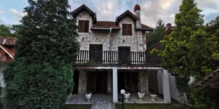 1000 din za noćenje po osobi u Vili Mirjana na Srebrnom jezeru!