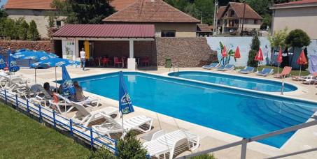 4990 din za dva noćenja za dvoje uz celodnevno korišćenje bazena u luksuznoj Vili Etna na Rudniku!