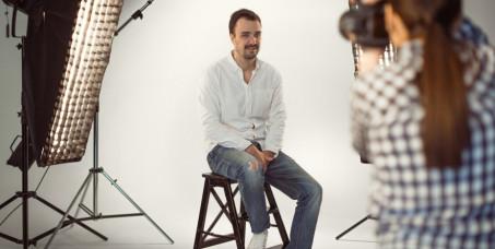 300 din za fotografisanje za dokumenta (3,5x4,5 cm, i 5x5 cm )-IMS marketing studio!