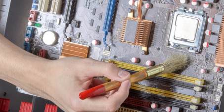 699 din za čišćenje od prašine sa zamenom termalne paste i termal padova+GRATIS saveti za nadogradnju računara u servisu računarske opreme D&A&K DIZAJN na Čukarici!