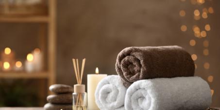 """1290 din za relax masažu za oba pola + refleksologija stopala (60 min) u novootvorenom salonu """"Monami beauty"""" u Bulevaru Kralja Aleksandra!"""