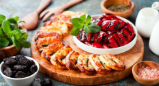 890 din za vegeterijanski tanjir za dvoje (pohovana paprika sa sirom,pohovani kačkavalj,pečurke na žaru punjene sirom,pomfrit)u restoranu Konoba Akustik II Jahorina-na novoj lokaciji-Voždovac!