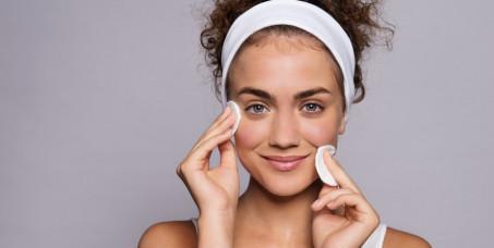890 din za tretman ultrazvučnog čišćenja lica špatulom + mikrodermoabrazija -SL Beauty Zo u centru Beograda!