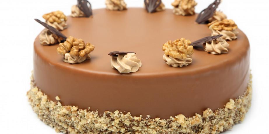790 din za 1kg torte po izboru: čokoladna, kinder ili voćna u poslastičarnici Nonna Delicatezza!