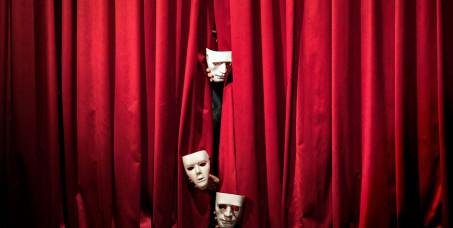 """400 din za kartu za predstavu """"Sponzoruša"""" u Pozorištu Slavija na Slaviji! Termin predstave je u 21.10. u 20h!"""
