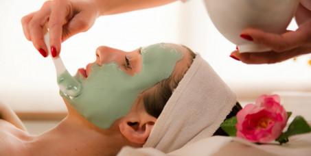 890 din za HIDRO-ALGO tretman lica za osveženje+gratis korekcija obrva i depilacija nausnica(čišćenje lica,piling sa algama,mezoporacija seruma sa algama, maska sa algama, krema)-TS studiio!