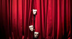 """400 din za kartu za premijeru predstave """"AUTOBIOGRAFIJA """" u Pozorištu Slavija na Slaviji! Termin predstave je 05.11. u 20h!"""